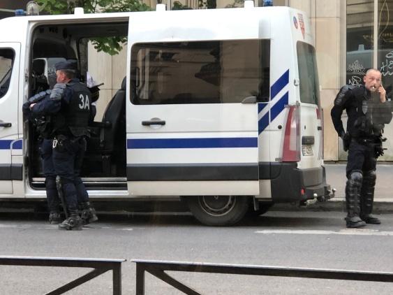 PlaceDItalie_PoliceNationale_10