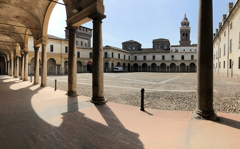 Mantova_DucalPalace_03_pano_small