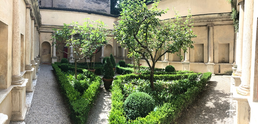 Mantova_DucalPalace_26_SecretGarden_small