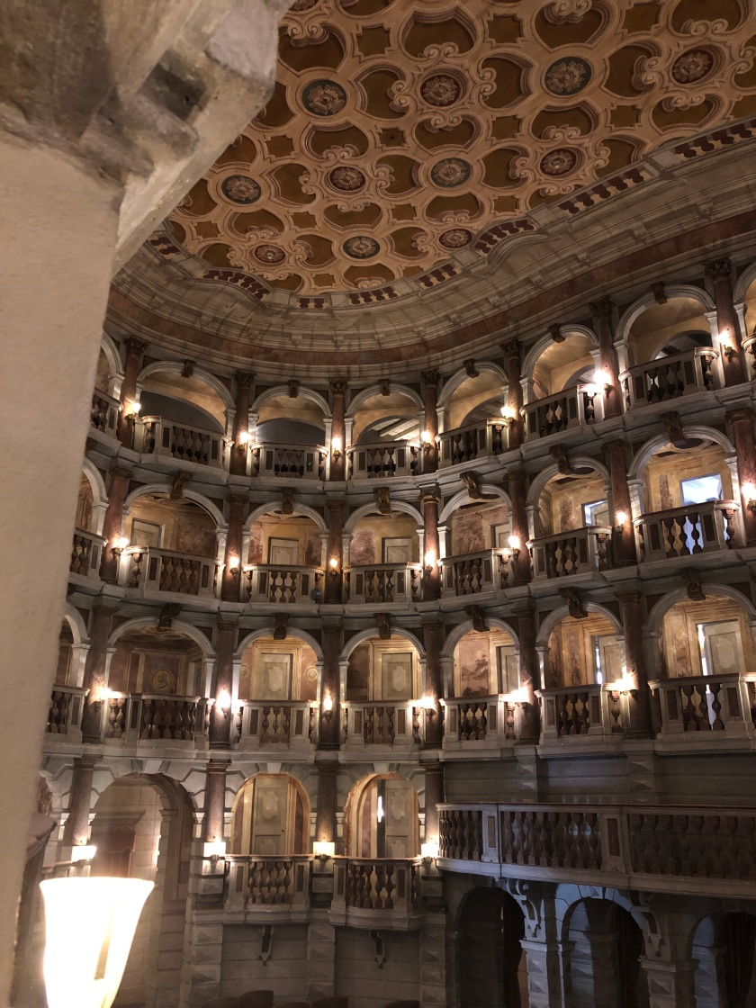 Mantova_TeatroScientificoBibiena_13