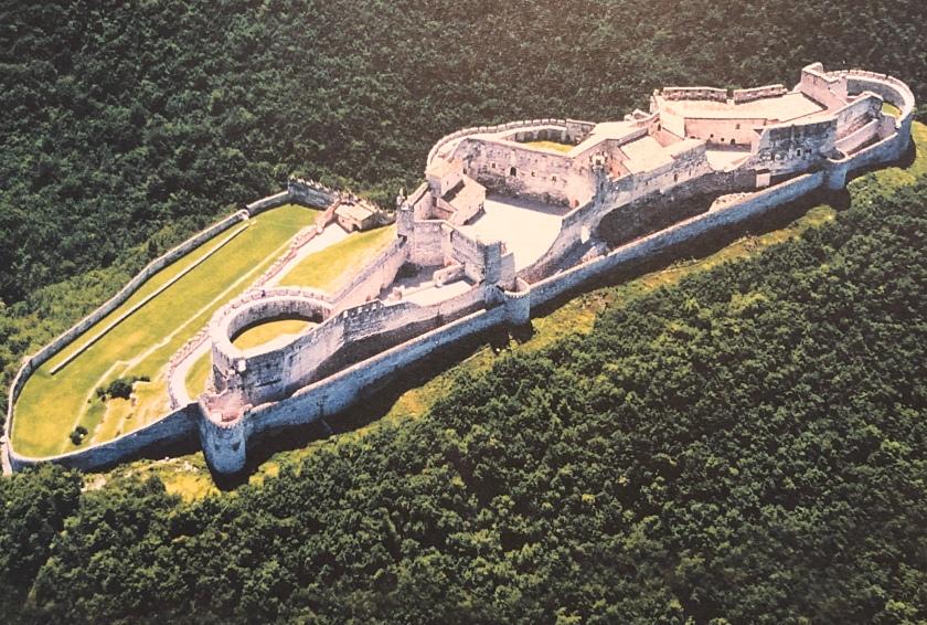 CastelBeseno_aerial_view